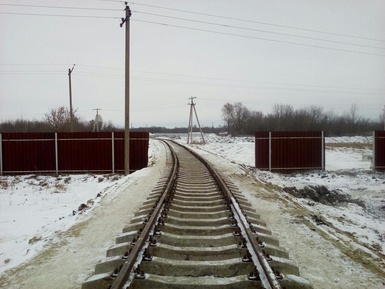 ЖД путь в зимнее время на объекте Чакинская нефтебаза