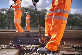 Кому доверить обслуживание железнодорожных путей в России по доступным ценам