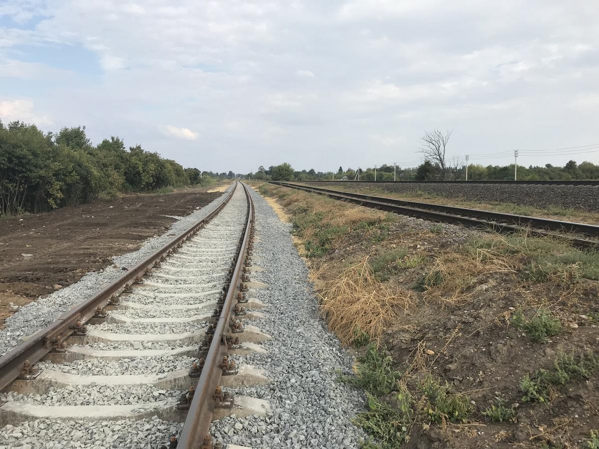 два железнодорожных пути