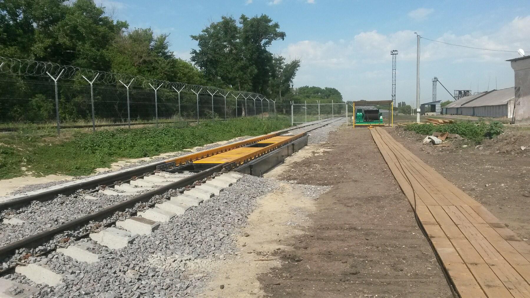 Железнодорожные весы на объекте элеватор ООО «Рав Агро»